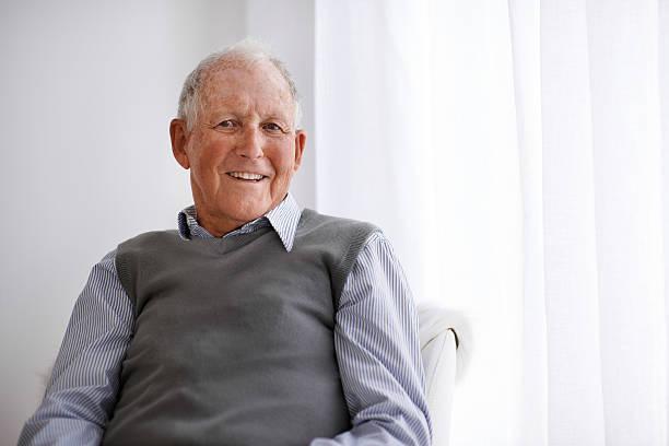positive attitudes are the way to go - sadece yaşlı bir adam stok fotoğraflar ve resimler