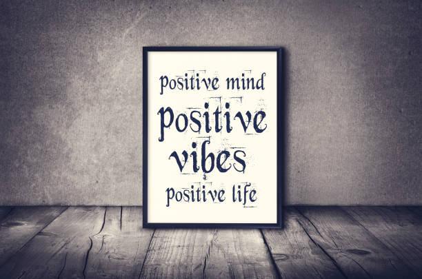 positiven geist, stimmung, inspirierend zitat leben - motivationsfitness zitate stock-fotos und bilder