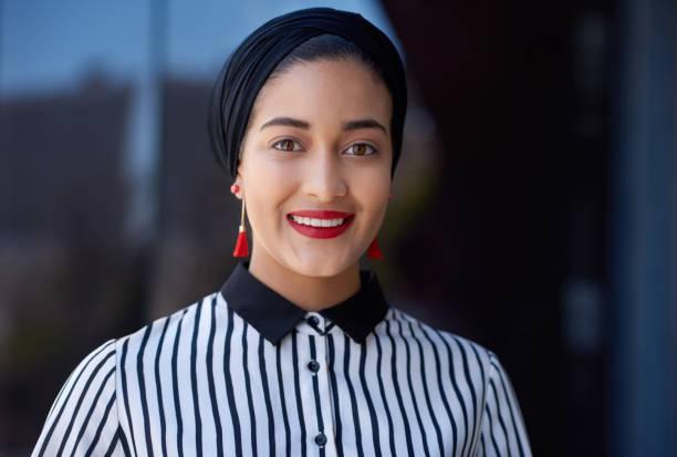 積極為事業創造奇跡 - emirati woman 個照片及圖片檔