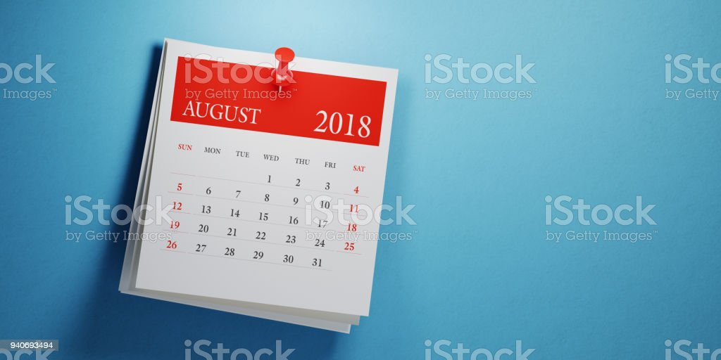 Post It August Calendar On Blue Background - foto stock