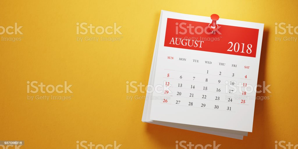 Post It August Calendar On Yellow Background - foto stock