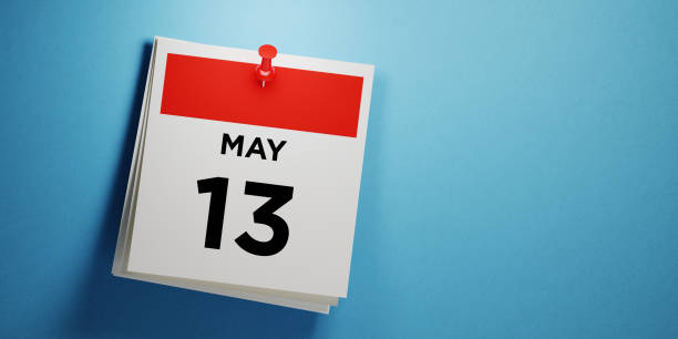 post it note on blue background - calendar date stock photos and pictures