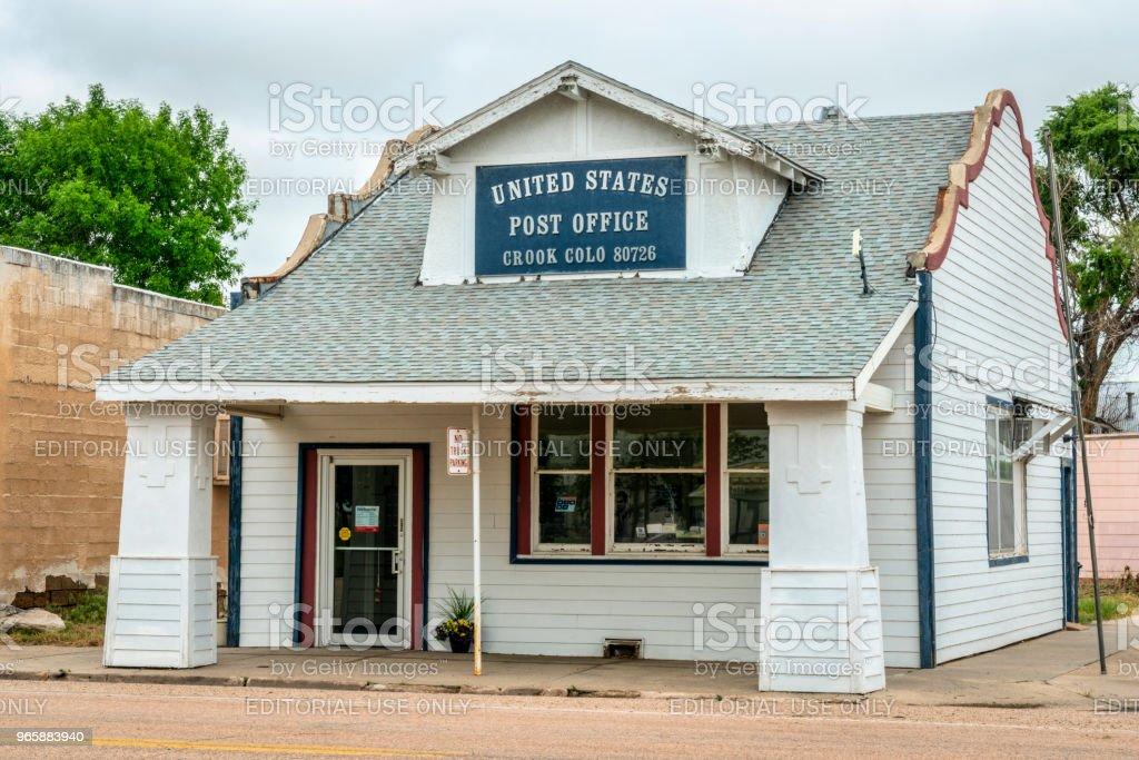 Postkantoor in kleine landelijke stad - Royalty-free Bord - Bericht Stockfoto