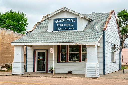 Postkantoor In Kleine Landelijke Stad Stockfoto en meer beelden van Bord - Bericht