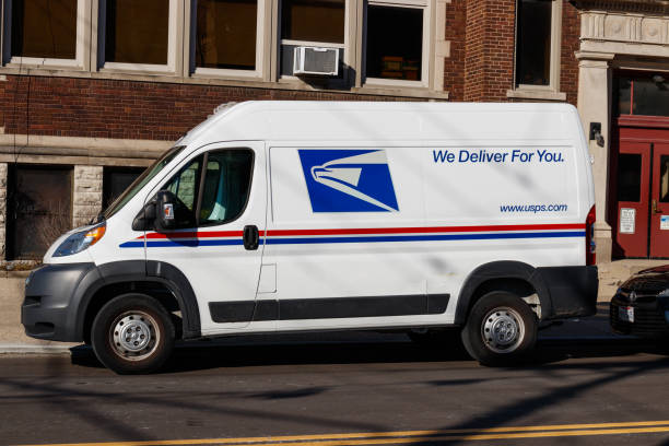 USPS Post Office Mail Truck. The USPS is Responsible for Providing Mail Delivery I Cincinnati - Circa February 2019: USPS Post Office Mail Truck. The USPS is Responsible for Providing Mail Delivery I apothegm stock pictures, royalty-free photos & images