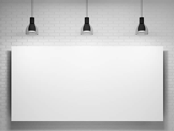 póster y las lámparas de más de la pared de ladrillos - pizarra blanca fotografías e imágenes de stock
