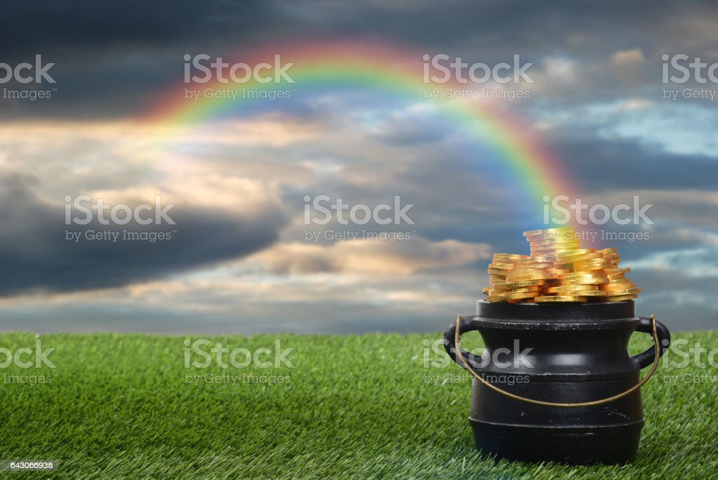 pot d'or avec arc-en-ciel - Photo