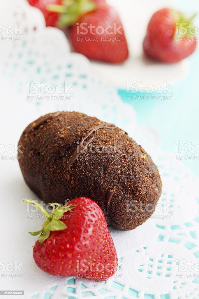 potato cake with strawberries Lizenzfreies stock-foto