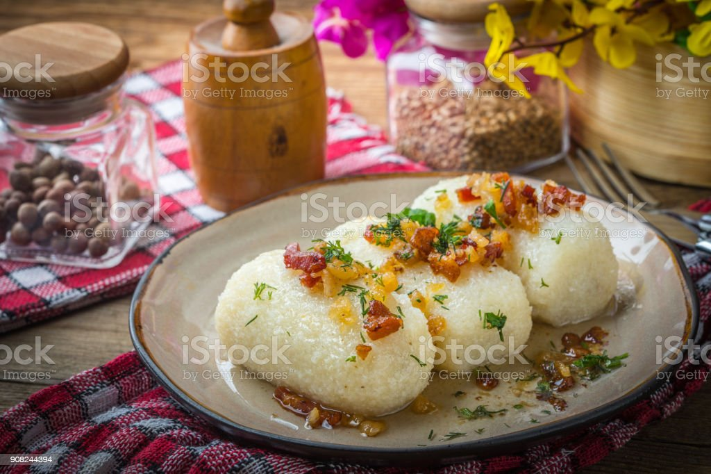 Potato dumplings stuffed with minced meat.