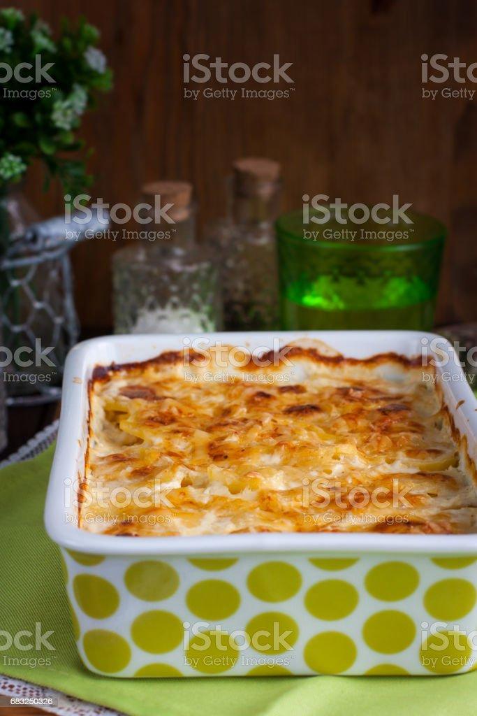 Potato gratin in ceramic form, top view foto de stock royalty-free