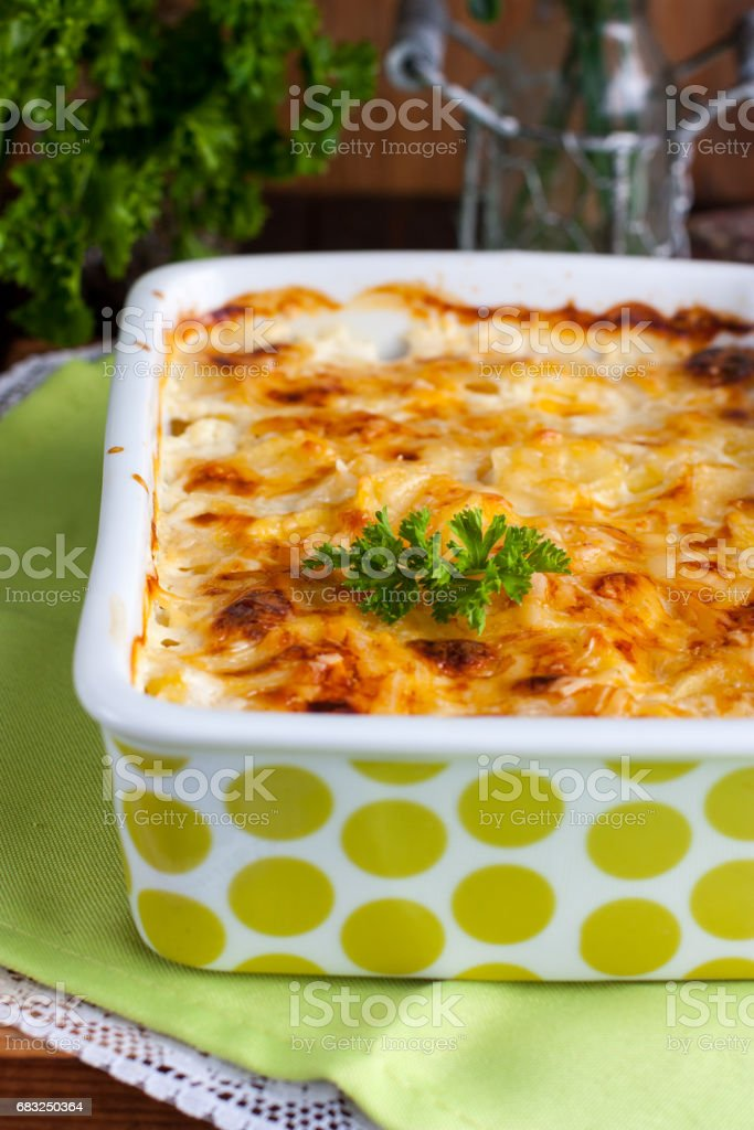 Potato gratin in ceramic form, top view Lizenzfreies stock-foto