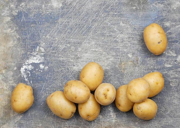 potatoes border - meerdere lagen effect stockfoto's en -beelden