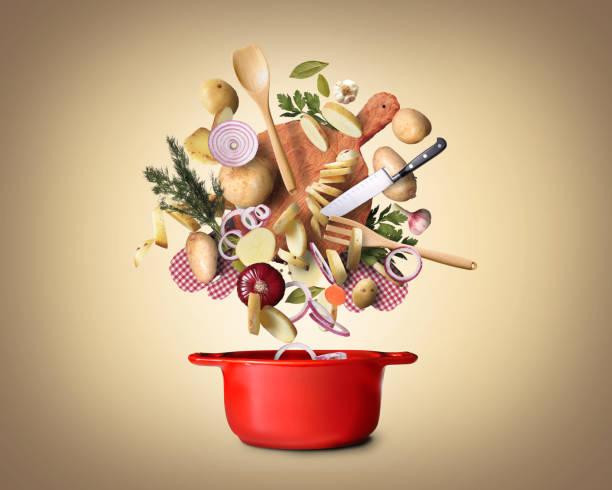 kartoffeln gehackt - küche italienisch gestalten stock-fotos und bilder