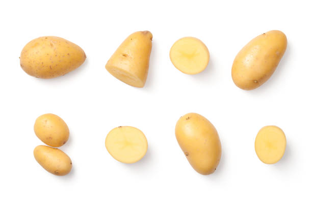 potatoes isolated on white background - batata crua imagens e fotografias de stock