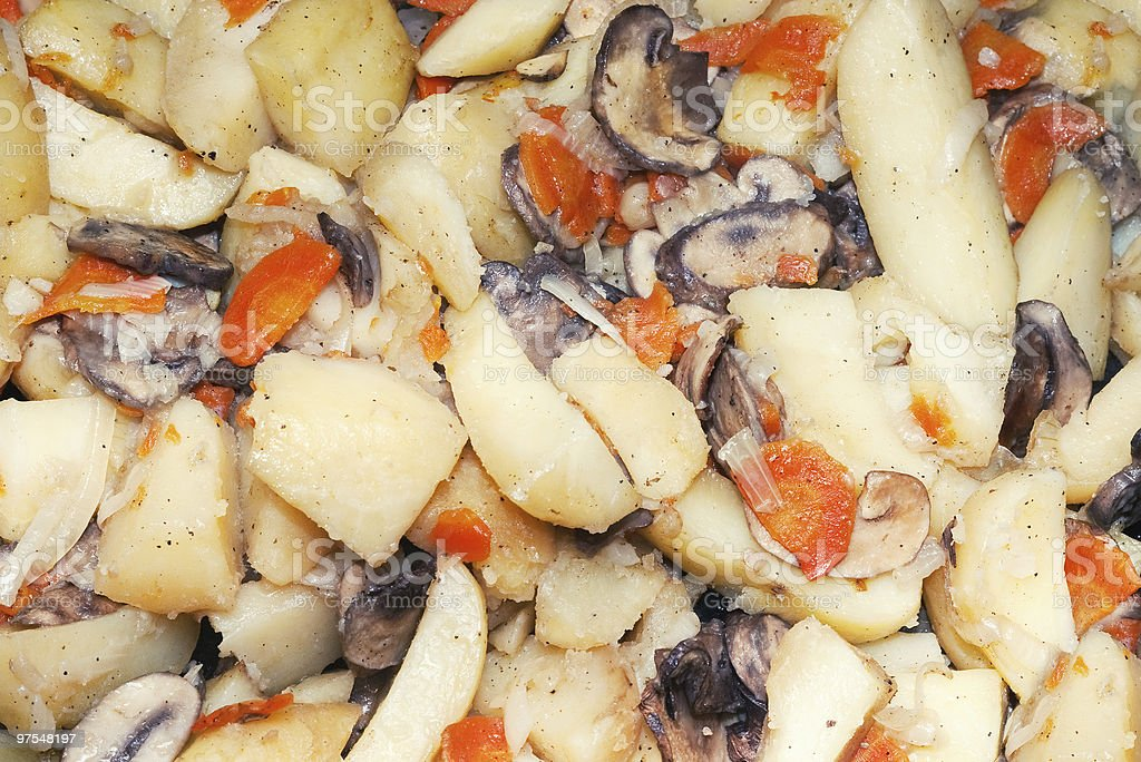 Champignons, les carottes et les pommes de terre avec photo libre de droits