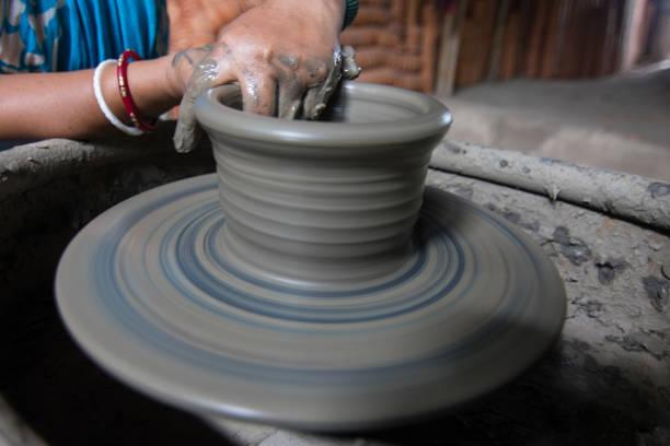 pottery - teacher school solo imagens e fotografias de stock