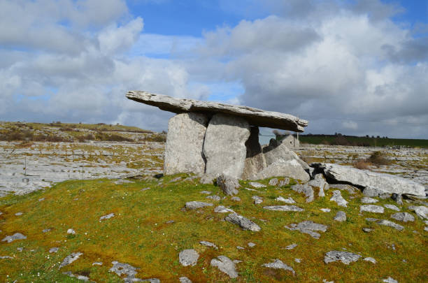 Poulnabrone Portal Tomb near the burren in Ireland Poulnabrone tomb in the Burren in Ireland. portal dolmen stock pictures, royalty-free photos & images