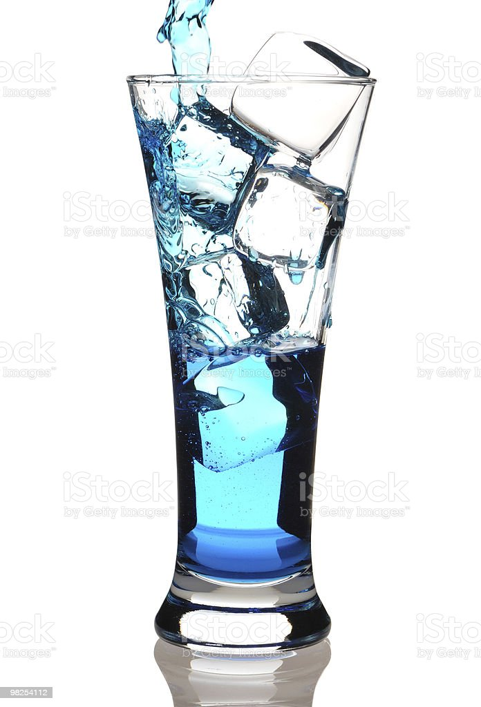 Pouring cocktail foto stock royalty-free