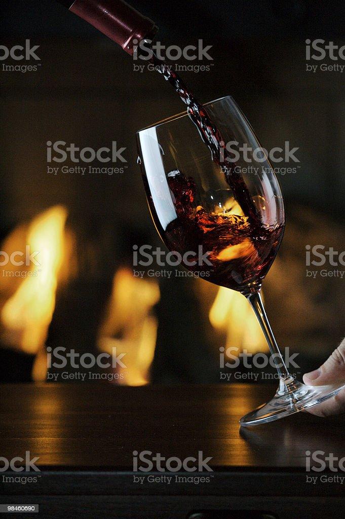 Versare vino foto stock royalty-free