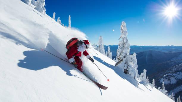 Image Pere Noel En Ski.Pere Noel Ski Banque D Images Et Photos Libres De Droit Istock