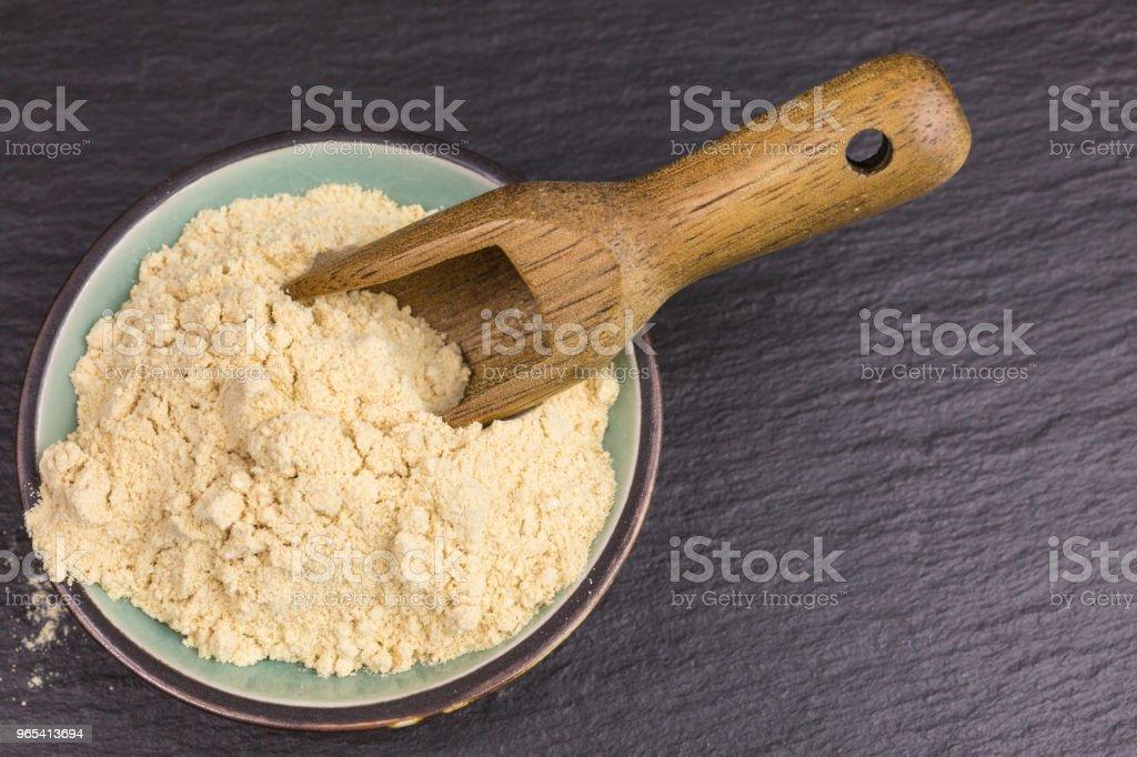 pulverisierte Maca-Wurzel - Lizenzfrei Aminosäure Stock-Foto