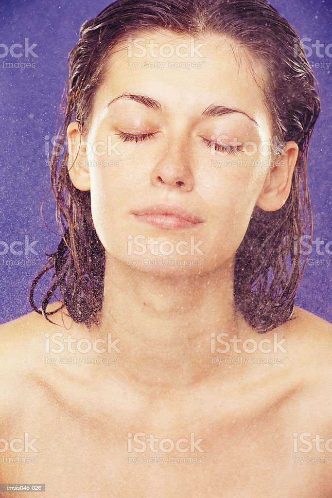 Powdering face royalty free stockfoto