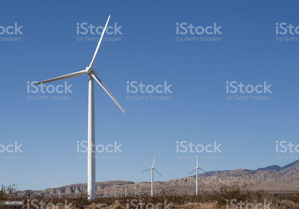 La generación de turbinas eólicas foto de stock libre de derechos