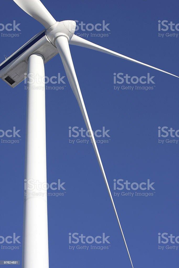 Générateur d'électricité contre coucher de soleil photo libre de droits