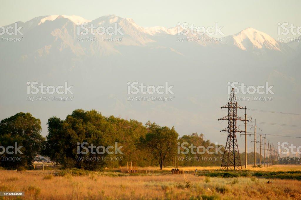 Linhas de energia - Foto de stock de Armação de Construção royalty-free
