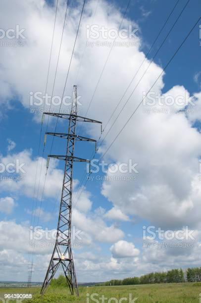 Foto de Linhas De Energia e mais fotos de stock de Armação de Construção
