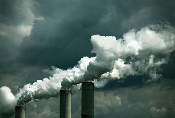 planta de energía - contaminación ambiental fotografías e imágenes de stock