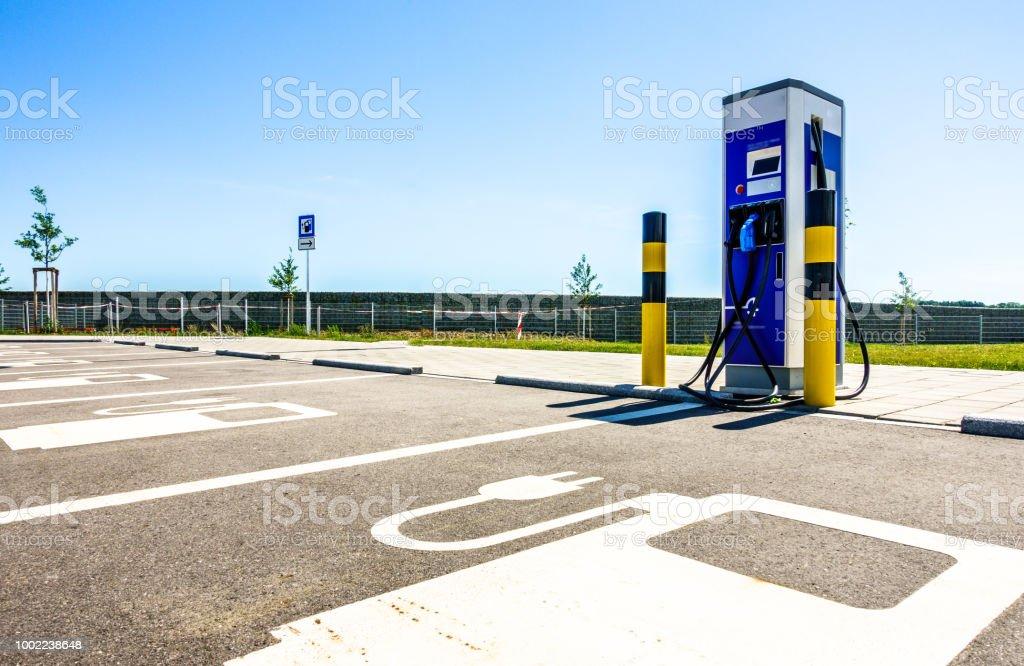 power supply für Elektrofahrzeuge - Lizenzfrei Stromtankstelle Stock-Foto