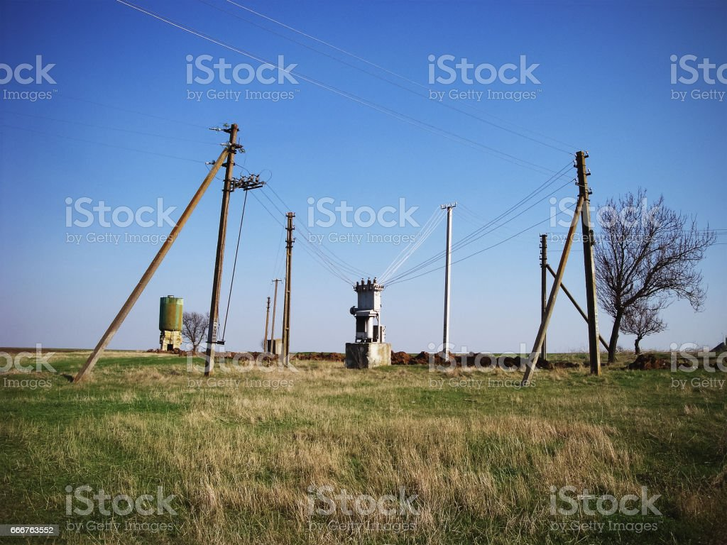 Power supply. To the transformer conduct wires through which there is a current. foto stock royalty-free