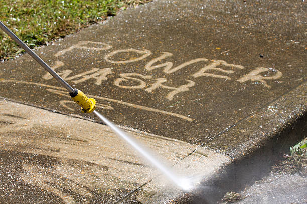 power washing - high pressure cleaning stock photos and pictures