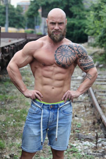 Motive brust tattoos männer Tattoo Motive