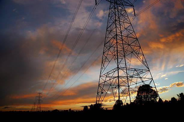 Powerlines bei Sonnenuntergang – Foto