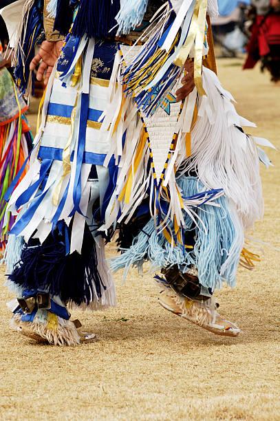 pox - indianer kostüm herren stock-fotos und bilder