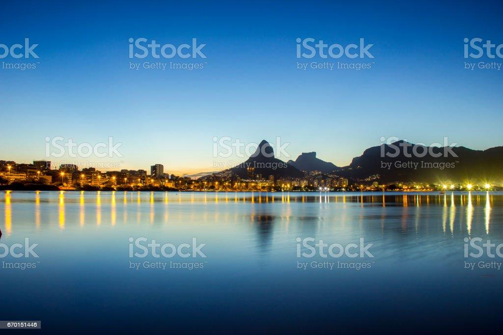 Pôr do sol na Lagoa Rodrigo de Freitas stock photo