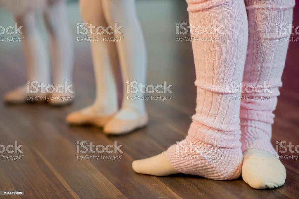 Praticar Ballet no estúdio - foto de acervo