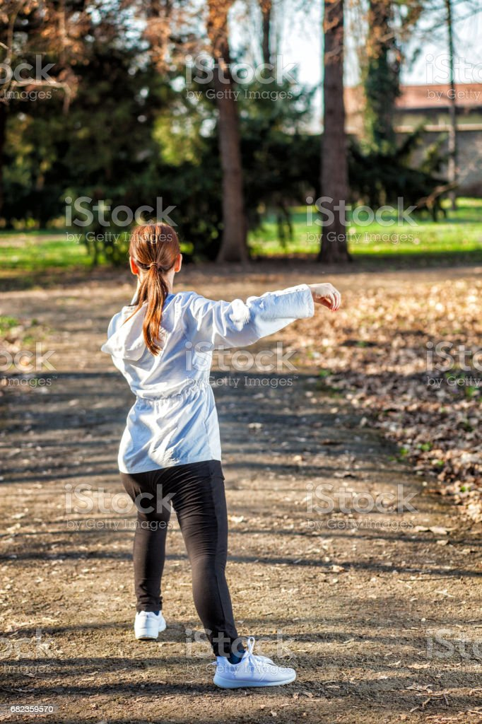 Practicing Tai Chi foto stock royalty-free