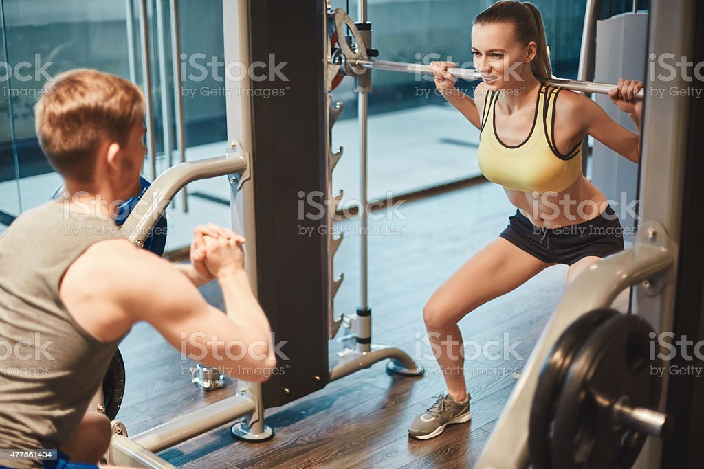 Üben Gewichtheben Lizenzfreies stock-foto