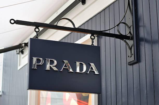 prada のサイン - ブランド名 ストックフォトと画像