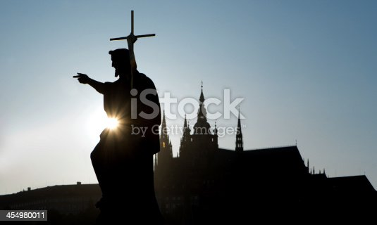 istock Prague - silhouette of Saint John the Baptist 454980011