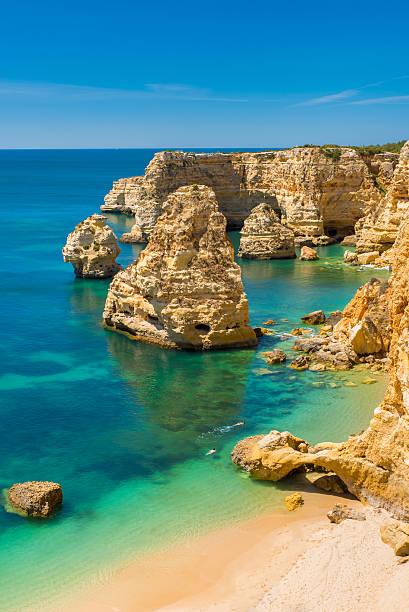 Praia da Marinha-Strand Marinha an der Algarve, Portugal – Foto