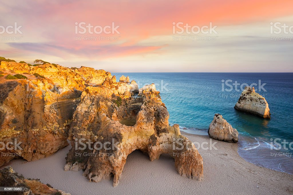 Praia Dos Tres Irmaos at sunset - fotografia de stock