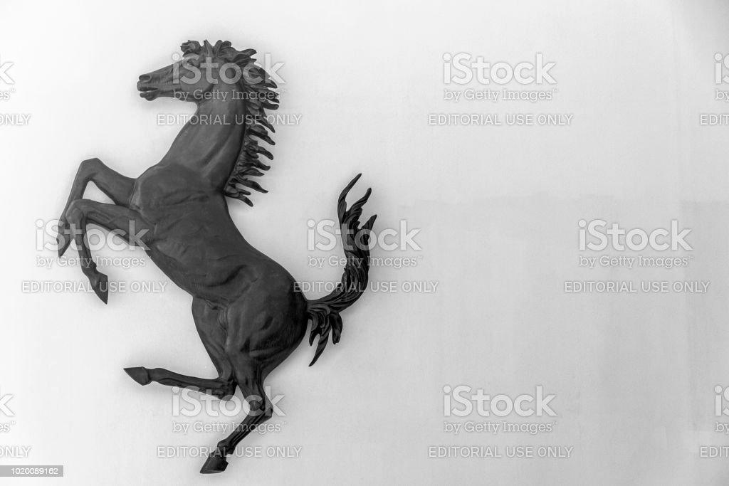Tänzelnden Pferd Ferrari Logo Stockfoto Und Mehr Bilder Von Auto Istock