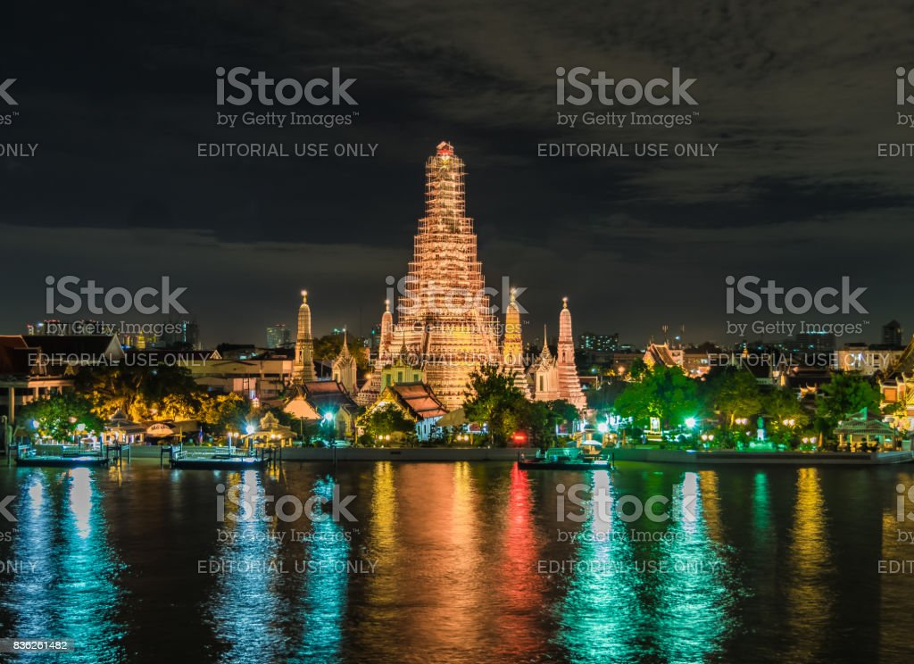 Prang Wat Arun old temple across Chao Phraya River stock photo