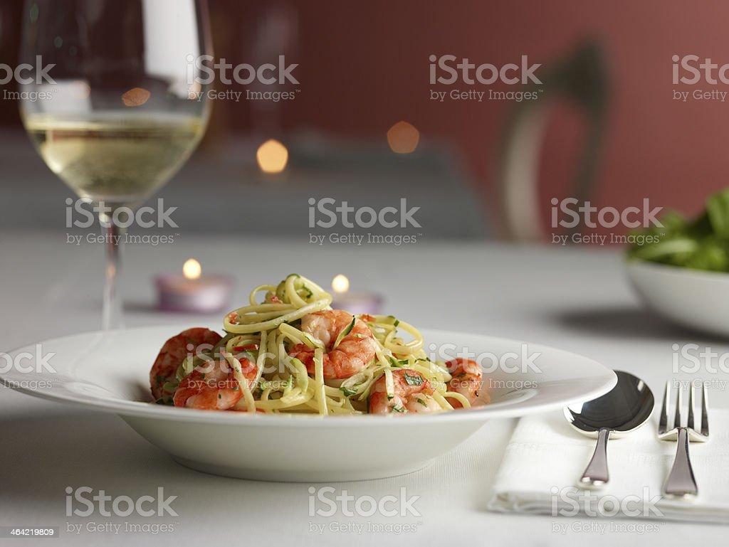 Camarones Linguine plato foto de stock libre de derechos