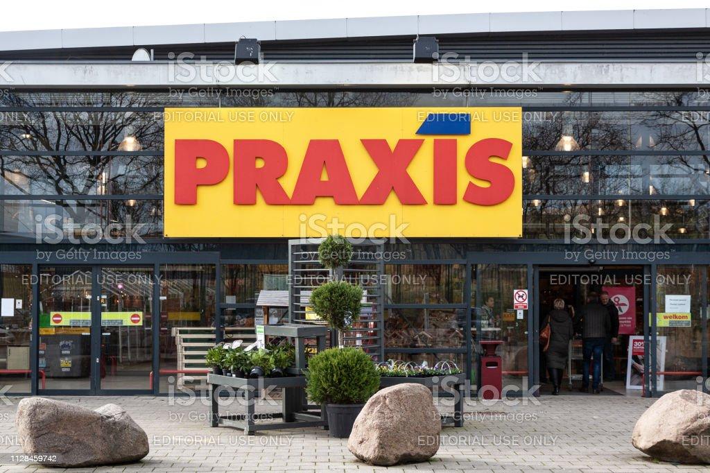 Praxis-winkel in Amersfoort, Nederland-2019 foto