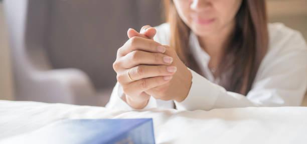 祈禱和聖經概念 - prayer 個照片及圖片檔